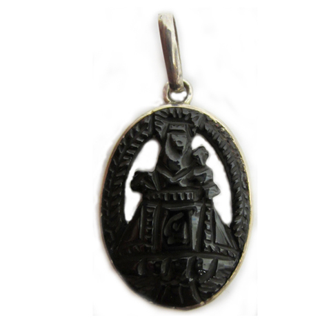 Artesania Asturiana - Colgante virgen covadonga orla plata y azabache tallada - Editorial Picu Urriellu