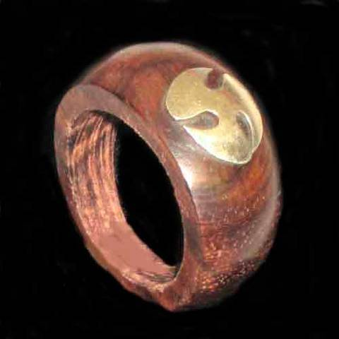 Artesania Asturiana - Anillo madera motivo trisquel celta metal