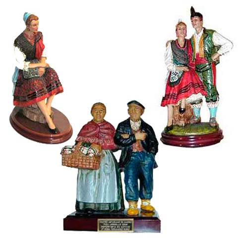 Artesania Asturiana - Figuras tradicionales asturianas   grandes - Editorial Picu Urriellu