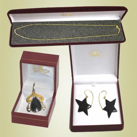 Artesania Asturiana - Pendientes colgar estrellas, Colgante diseño oro blanco y cadena oro - Editorial Picu Urriellu