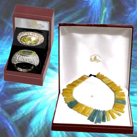 Artesania Asturiana - Collar de Jade y anillo con circonitas piedras naturales - Editorial Picu Urriellu