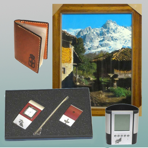 Artesania Asturiana - Cuadro fotoposter, juego reloj/portalapiz, Portabolis y Catera piel - Editorial Picu Urriellu
