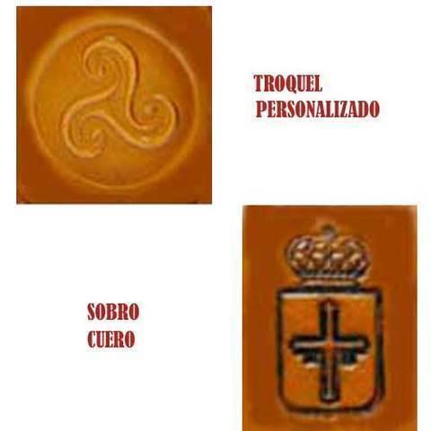 Artesania Asturiana - Troquelado sobre cuero - personalizar su logotipo - Editorial Picu Urriellu