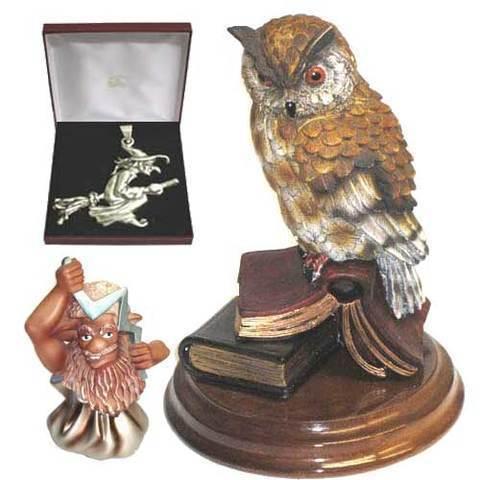 Artesania Asturiana - Buho libro con peana + Colgante plata bruja escoba - Editorial Picu Urriellu