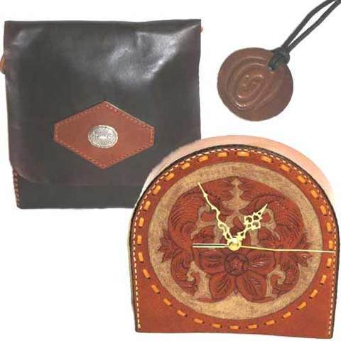 Artesania Asturiana - Reloj cuero artesanal + Bolso de cuero con entrelazado celta - Editorial Picu Urriellu