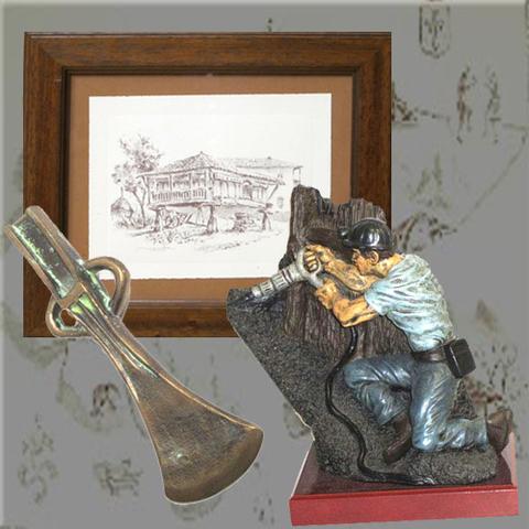 Artesania Asturiana - Cuadro carboncillo, Minero picador y Hacha bronce - Editorial Picu Urriellu