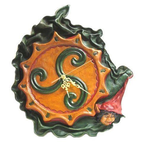Artesania Asturiana - Reloj cuero trisquel con trasgu