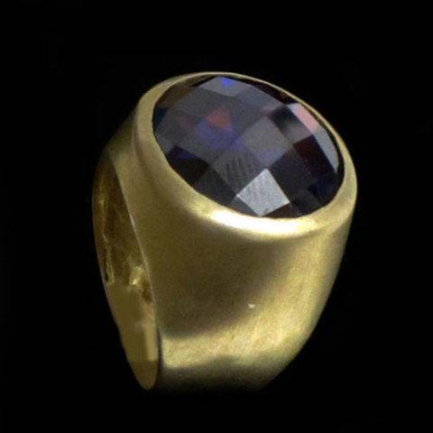 Artesania Asturiana - Anillo plata diseño chapado en oro con piedra natural redonga y violeta - Editorial Picu Urriellu
