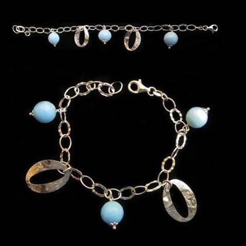Artesania Asturiana - Pulsera plata 3 bolas redondas y azules con 2 argollas - Editorial Picu Urriellu