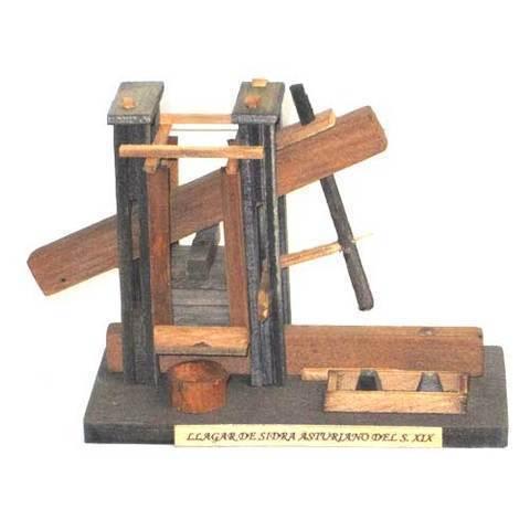 Artesania Asturiana -  Llagar sidra madera pequeño - Editorial Picu Urriellu
