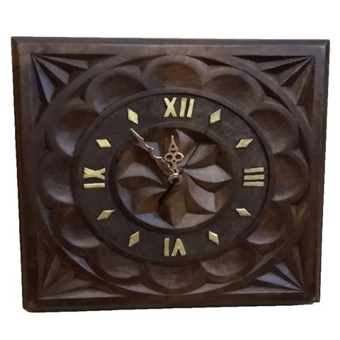 Artesania Asturiana -  Reloj castaño tallao con flor galana cuadrado - Editorial Picu Urriellu