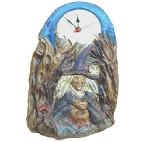 Artesania Asturiana -  Relojes mitologia colgar - bruja - Editorial Picu Urriellu