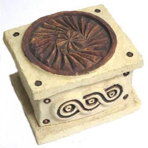Artesania Asturiana -  Caja joyero - motivos celtas - rectangular - Editorial Picu Urriellu