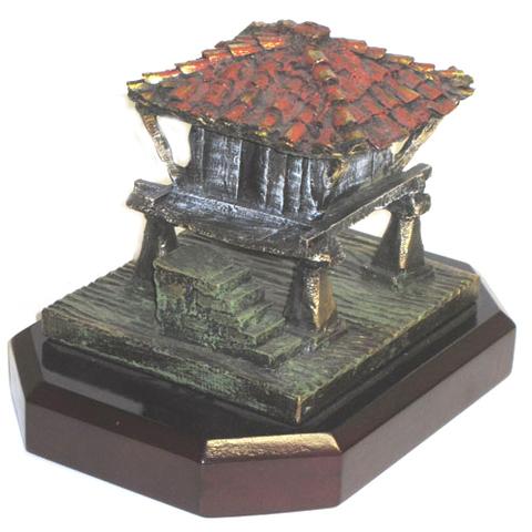 Artesania Asturiana -  Horreo rustico bronce decorado - Editorial Picu Urriellu