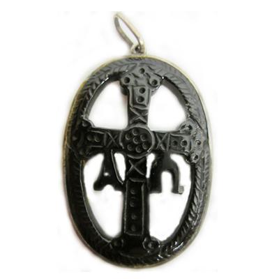 Colgante medalla orla grande cruz victoria plata/azabache