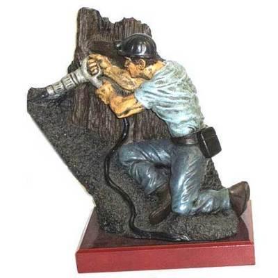 Minero picador grande con base de caoba