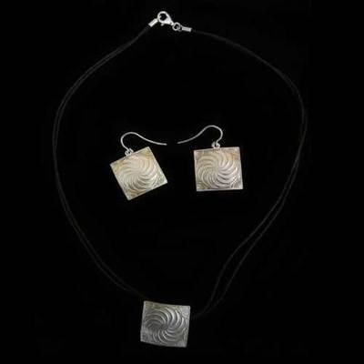 Conjunto plata motivo celta cuadrado