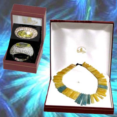 Collar de Jade y anillo con circonitas piedras naturales