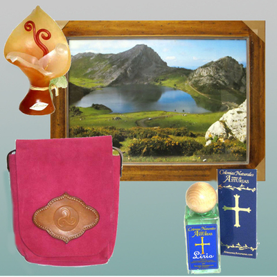Cuadro fotoposter, Perfume, Vela y Bolso serraje
