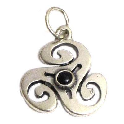 Colgantes plata y azabache motivos celtas ( varios modelos )