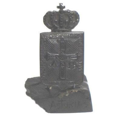 Escudo de Asturias - broche de azabache tallado