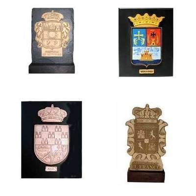 Placas escudos de concejos y logotipos