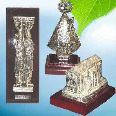 Apostoles, Virgen de Covandonga y Santa Maria del Naranco