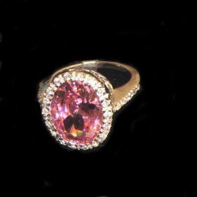 Anillo plata diseño circonitas y piedra natural rosa