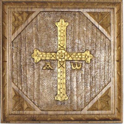 Tabla cruz de la Victoria tallada