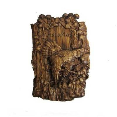 Imán madera tallada urogallo con Asturias