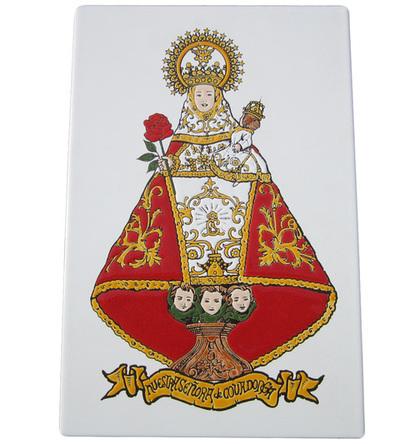 Azulejo Virgen de Covadonga 30 x 20 cm.Relieve con manto Rojo