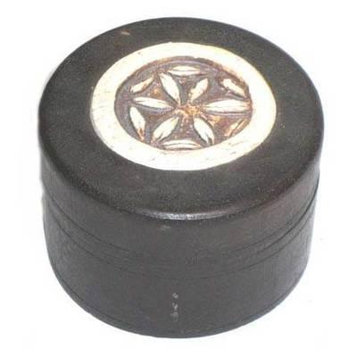 Caja redonda simbolo celta - flor galana